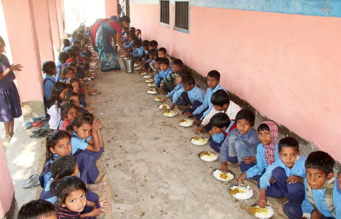 96 School Children Fall Ill In Jharkhand After Eating Mid-Day Meal, The Culprit- A Lizard!