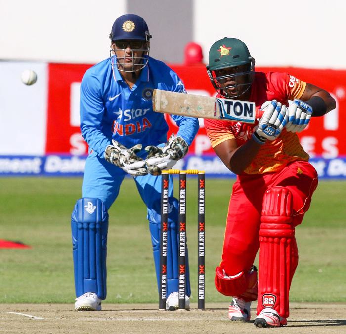 Dhoni vs Zimbabwe