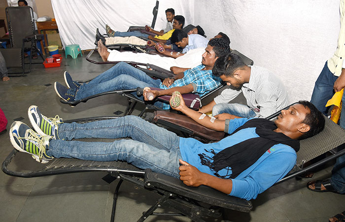 Bangladeshi Accident Victim On Critical Condition Gets Rare Blood From Mumbai Youths
