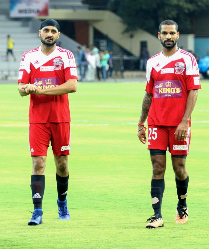 Harbhajan Singh and Dhawan watch