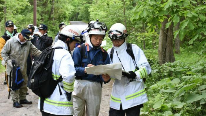 Rescue personnel