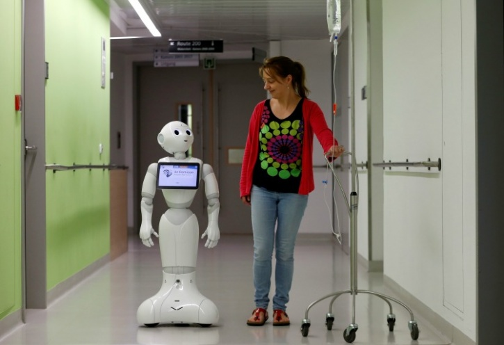 Pepper with a patient