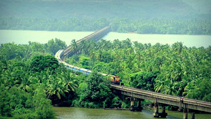 Konkan Railway Greets Passengers With Live Music Perfirmance By Employees