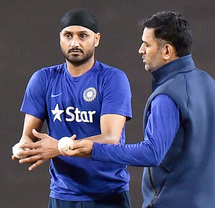 Harbhajan with Dhoni