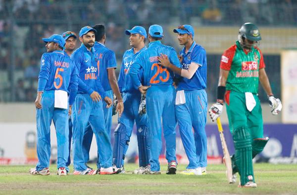 India celebrate fall of Bangladesh wicket