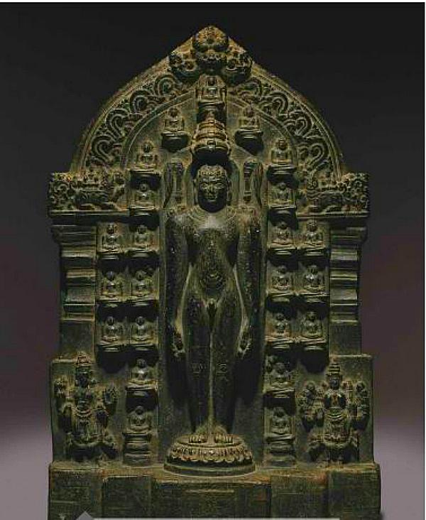 Rishabha statue