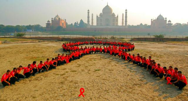 HIV + India