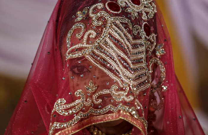After Suhagrat Impotence,  Wife Demands Divorce And Dowry Refund