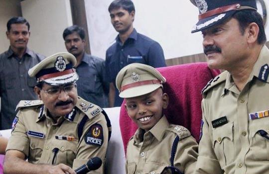 Police_Chief_Hyderabad_Ill_boy