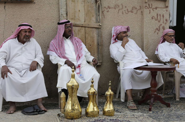 As Oil Prices Drop Saudi Is Seeking A $6-8 Billion Loan To Keep Its Economy Running