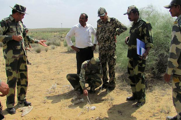 Only 3 Feet Under The Thar Desert, Indian Soldiers Are Finding A Constant Water Supply
