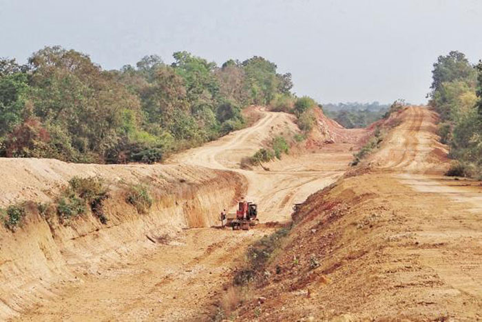 In drought-hit Maha village, farmers resort to online crowdfunding to give canal new life