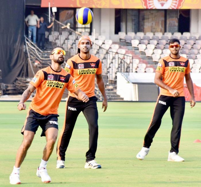 Yuvraj Singh in focus as rejuvenated Sunrisers take on stuttering Lions