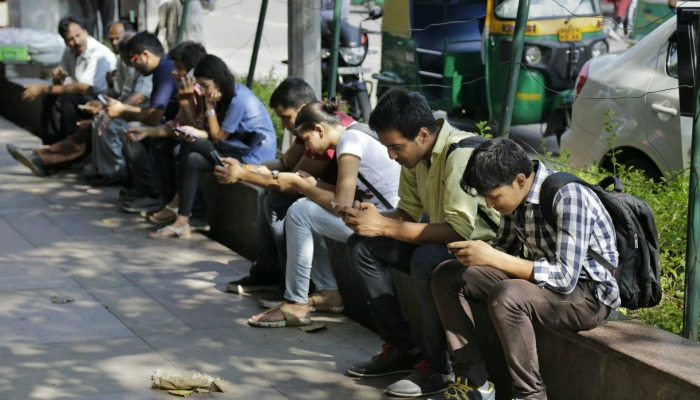 The government is hopeful that India will touch 500 million internet users mark by the end of 2016, Union Communications Minister Ravi Shankar Prasad said in New Delhi on Wednesday.