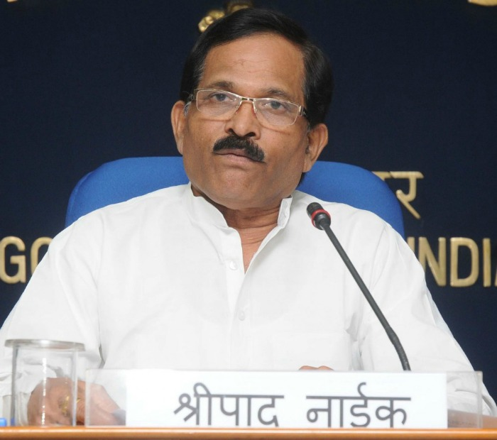 AYUSH Minister Says Doctors Prescribing Non-Ayurvedic Medicines Are