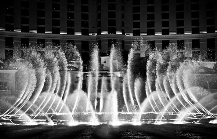 Akhilesh Yadav Planning To Install Fountains From Vegas In Lucknow!