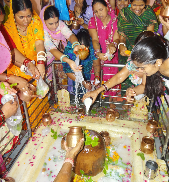 This Shiva Temple Gives You A Sin Free Certificate For Only 11 Rupees And A Holy Dip