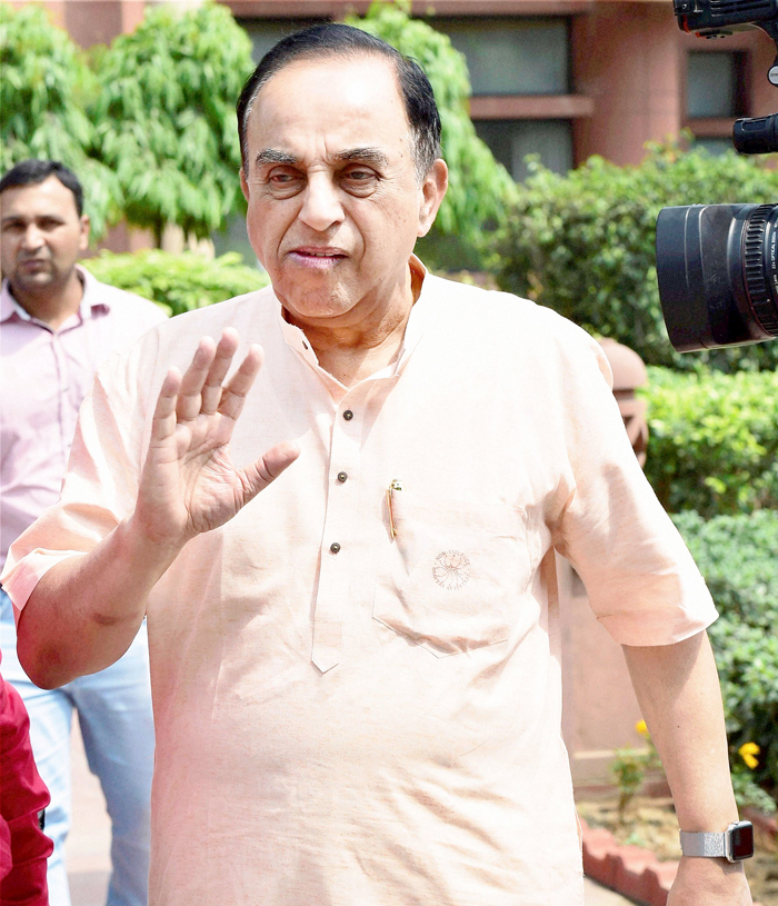 Raghuram Rajan Not Fit To Be RBI Governor, Should Be Sent Back To Chicago Says Subramanian Swamy