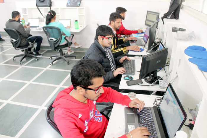 Companies Should Define Their Hiring Policy, IIMs Demand After Flipkart, Other Startups Backtrack From Placements