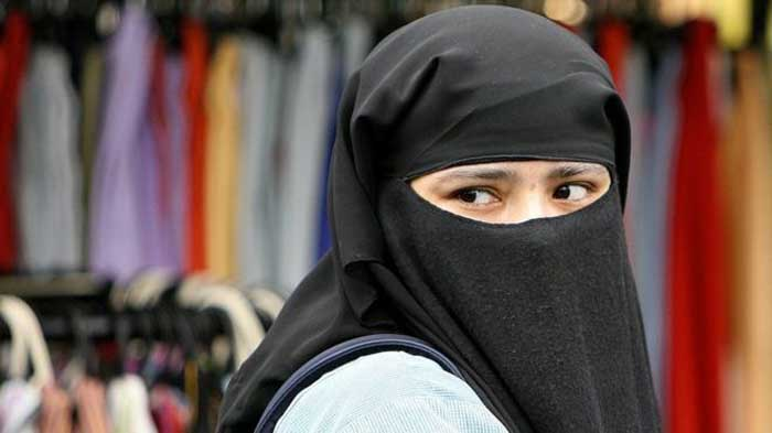 Islamic Body Calls For 'Light' Beating For Pakistani Wives If They Disobey