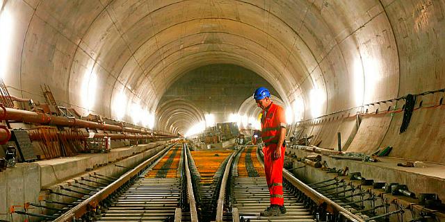 tunnel mountain switzerland