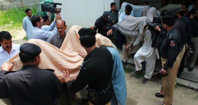 Pakistani Teenage Girl Burnt Alive