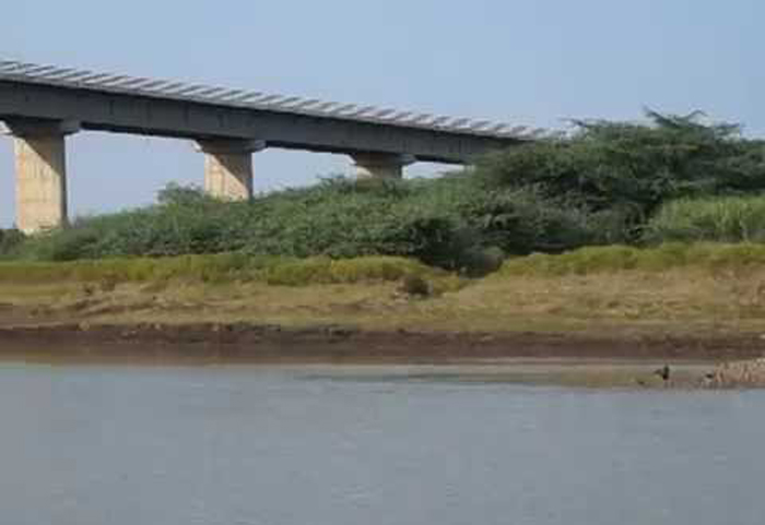 This Is How Residents Of A Drought-Hit Latur Village Revived A Dead River.