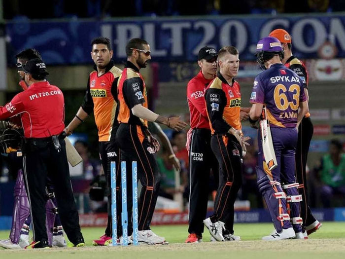 Yuvraj Running Out Dhoni Play Of The Day, Reckons Henriques