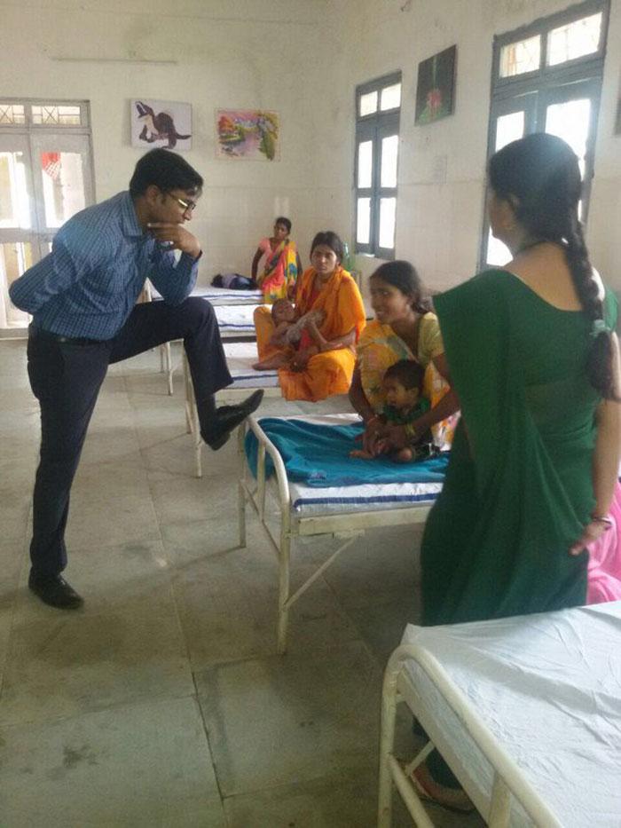 Chhattisgarh IAS officer puts foot on patient