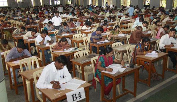 1000 Exam Candidates Pay 16 Lakhs To Give Fake Exam!