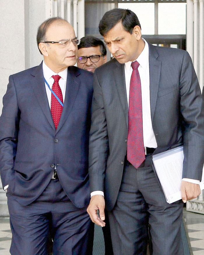 After Swamy's 'Mentally not Indian' Jibe on Rajan, jaitley tries to douse the fire