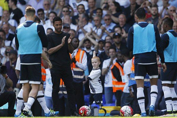 He May Not Have Hands And Legs, But Eight-Year-Old Tottenham Spurs Fan Marshall Johnson Is An Ins`piration To Us All