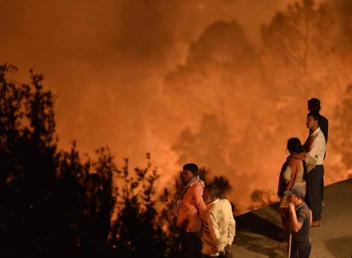 Collateral Damage Of Uttarakhand Forest Fire: Experts Warn Of  Faster Melting Of Glaciers