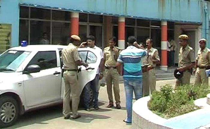 Woman Dragged Into Moving Car, Gangraped For 3 Hours And Then Dumped