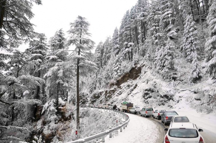 himachal snow road