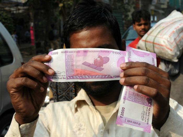 Devanagari Script On New Currencies