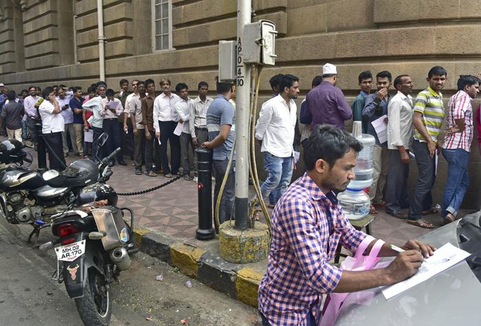 Streetsmart Mumbaikars manage multiple exchanges