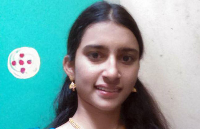 Usha Rani Btech Student Attempted Suicide