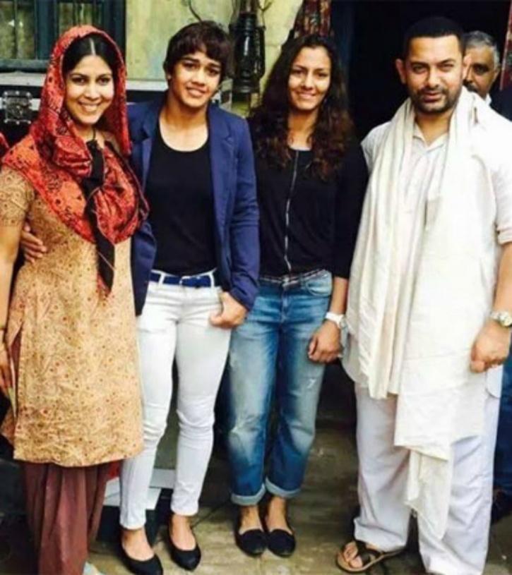 Aamir Khan with Phogat