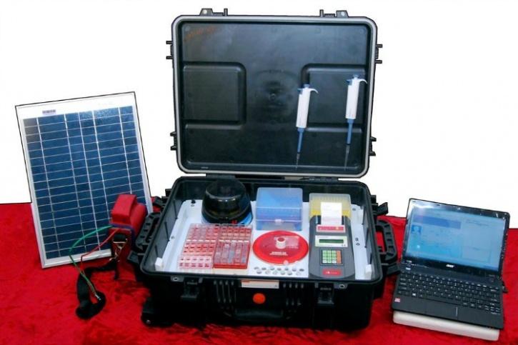 Portable diagnostic lab