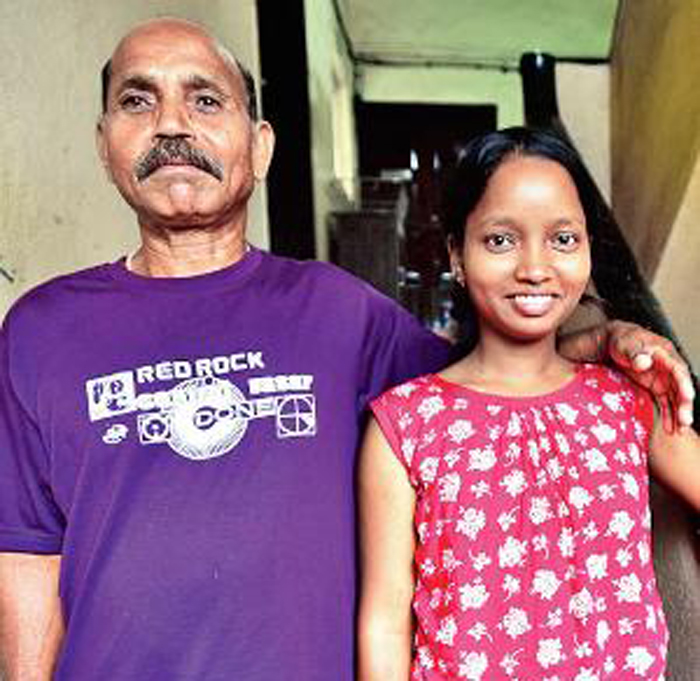 Thanks To Super 30, This Tribal Girl Fought Polio And Poverty To Make It To Medical School!