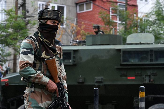 Curfew in Sri Nagar
