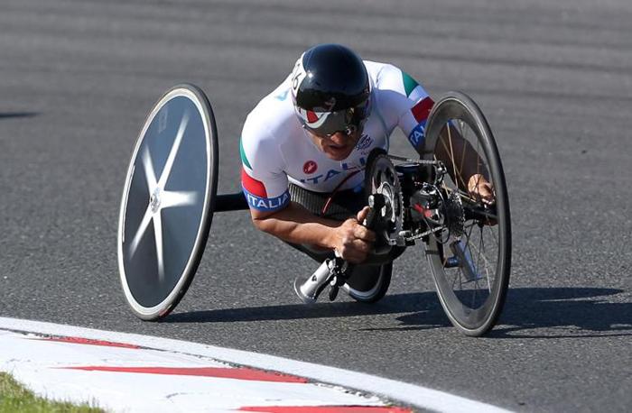 Alex Zanardi Wins Paralympic Gold