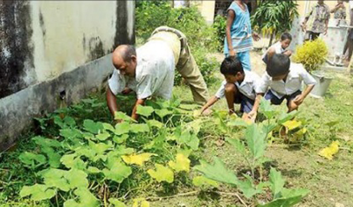 Prabir Pal teaching kids since 18 years without any pay