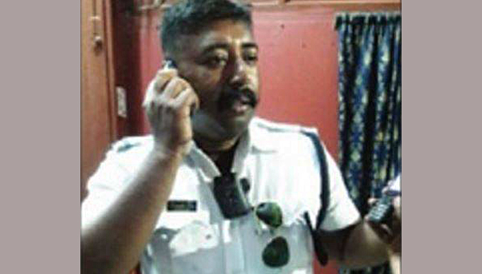 Armed With A Gun, Traffic Sergeant Rescues Young Girl Kidnapped By Pimps