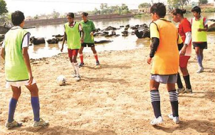 girls practice football
