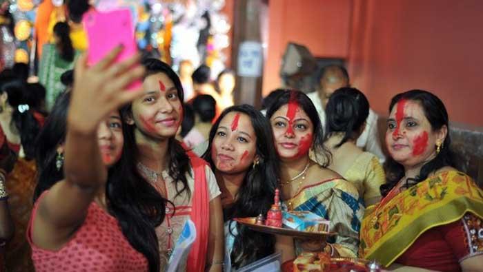 No More Selfies With Maa Durga
