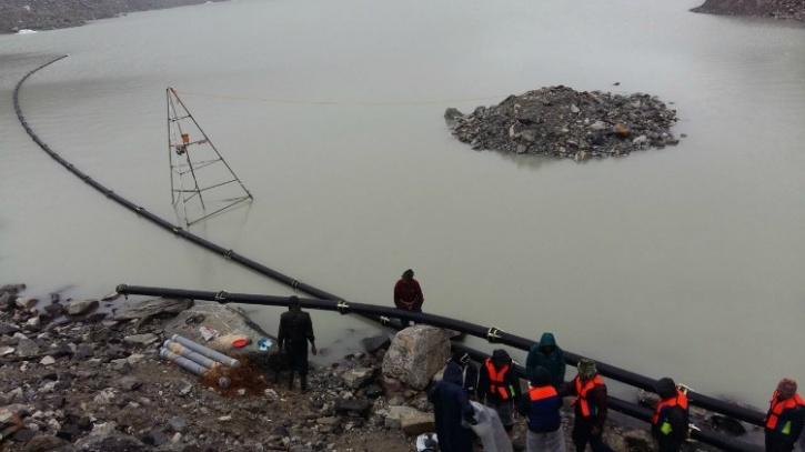 Floating pipeline