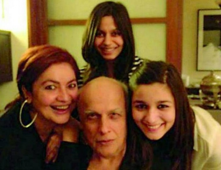 Mahesh Bhatt with his daughters