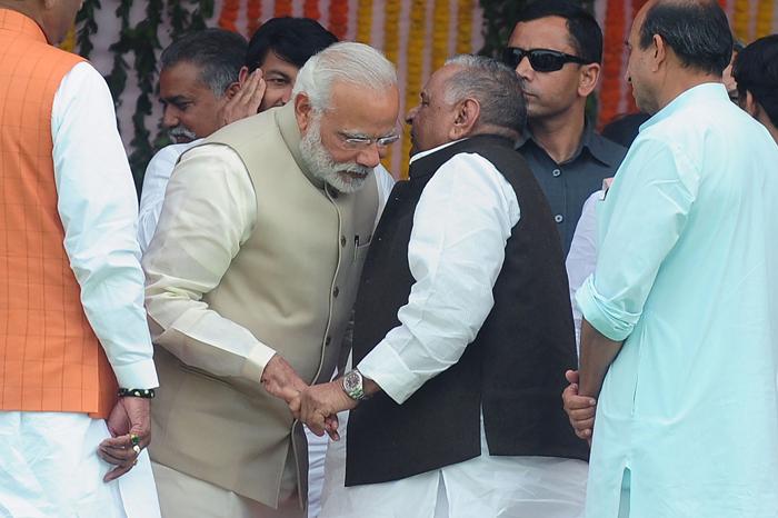 PM Modi and Mulayam Singh Yadav